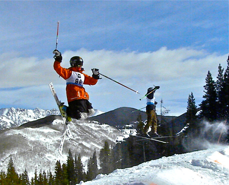 Ski & Snowboard Club Vail